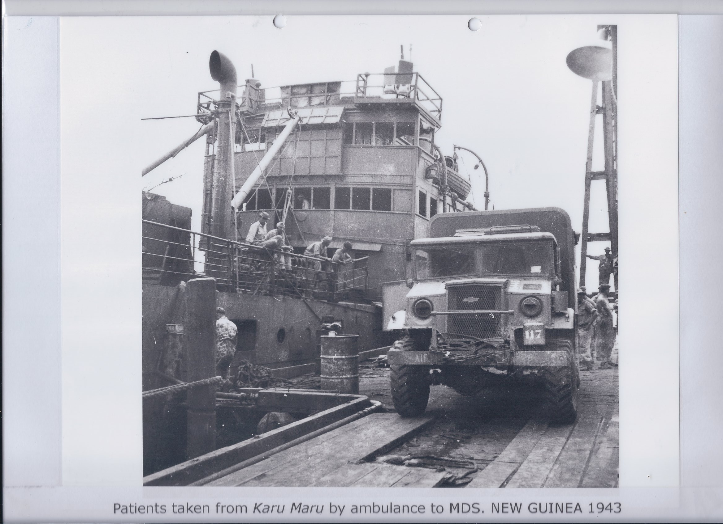 Patients taken from Karu Maru by ambulance to MDS. NEW GUINEA 1943